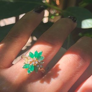 14K Yellow Gold Emeralds & Diamonds  Cluster Ring